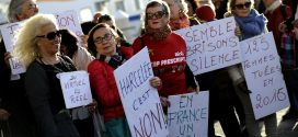Mujeres francesas protestan contra acoso sexual