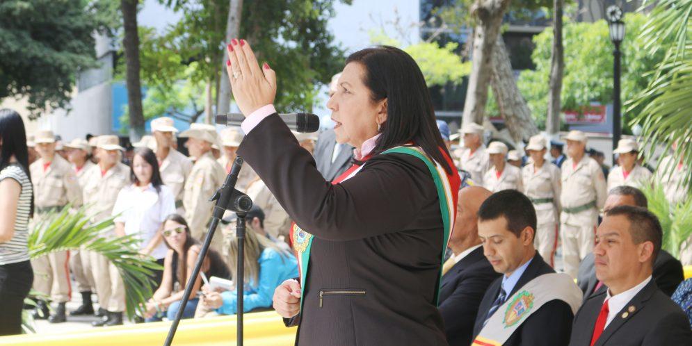 "Gobernadora Carmen Meléndez: ""El Libertador está más vivo que nunca"""