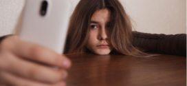 Abusar del móvil provoca desequilibrios químicos en el cerebro de los jóvenes