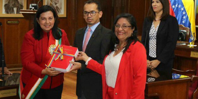 Gobernadora Carmen Meléndez presentó informe de gestión político administrativo al pueblo
