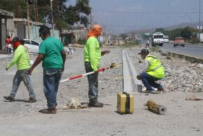 Gobierno Bolivariano de Lara rehabilita calle de servicio frente al Hospital Rotario de Barquisimeto
